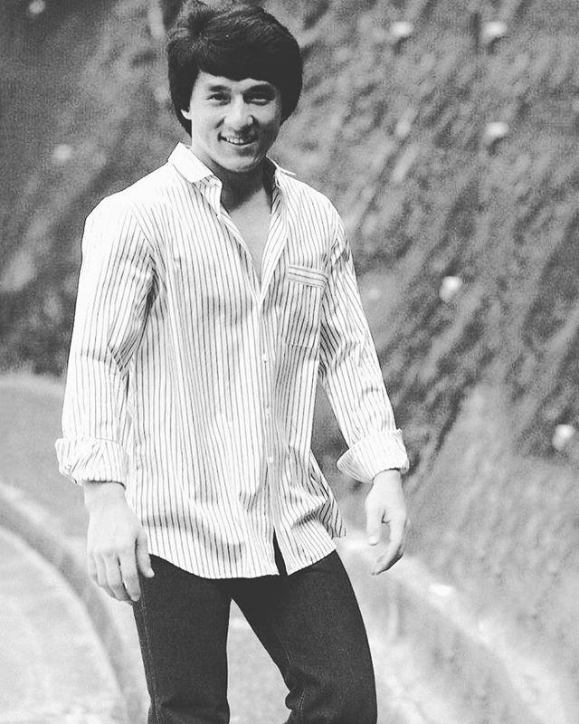 Hello fellow fans 😊😊 WHATS YOUR FAVOURITE JACKIE CHAN FILM ?! 👍🏼👍🏼 #jackiechan#kungfu#smile#martialarts#jackiechanstyle
