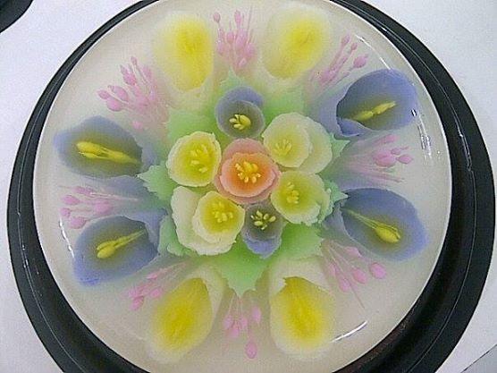 white violet lilies n bouquet roses