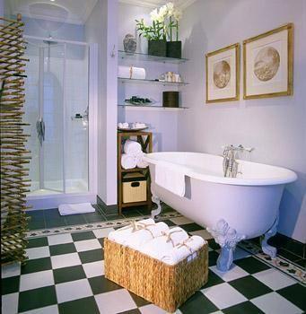 Hotel Deal Checker - Champs Elysees Plaza Hotel http://www.HotelDealChecker.com
