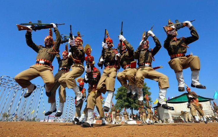 graduates/ Absolventen: indische Kadetten der Central Armed Police Forces (29.12.2014)