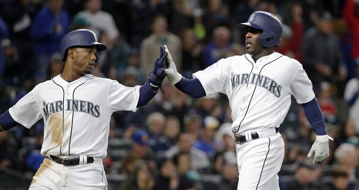 Mariners score seven in seventh, roll past Texas