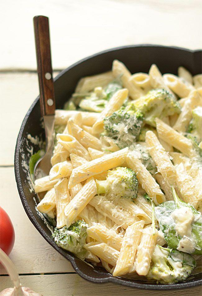 Makaron+w+sosie+biało-zielonym+(z+brokułami+i+szpinakiem):+Makarony+mają+tę+cudowną+właściwość,+że+można+z+nich+przyrządzić+super+danie+za...
