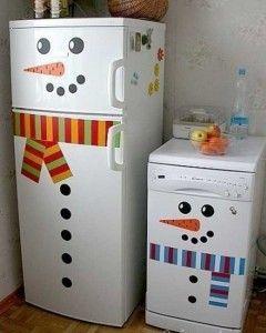 Украшаем дом с детьми к Новому году: холодильник-снеговик