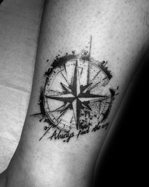 50 kleine Kompass-Tattoos für Männer – Design-Ideen für Navigationstinten   – Tattoos