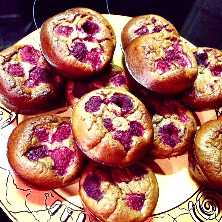 Low Carb Bananen-Himbeer Muffins