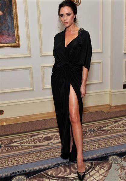 Роскошное длинное платье с разрезом