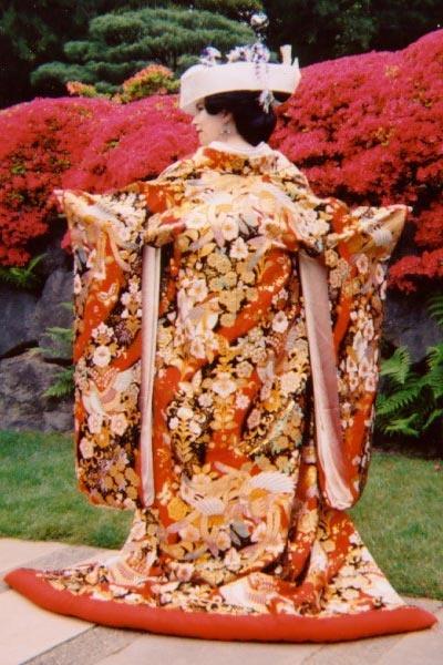 Uchikake or Wedding Kimono | Google Image Search