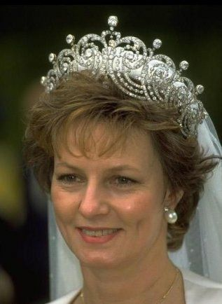 Crown Princess Margarita of Romania.  This is a BEAUTIFUL crown!