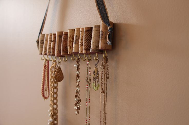 Wine Cork Jewelry Holder / Rack! Get 10% off with coupon code: PINTEREST10 http://etsy.me/1VXNC0n