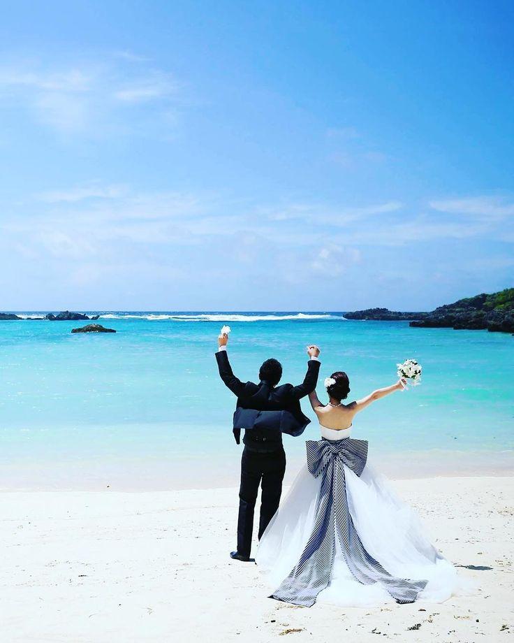 ビックサッシュリボンがお気に入り ビーチ撮影はほんとーーーに楽しかったです ・ ・ ・ #weddingtbt #アラマンダチャペル #allamandachapel #サッシュベルト #ビームス #beams #ドレス #アロヒナ #allohina #ワタベウエディング #watabewedding #wedding #beach #photo #ビーチ撮影 #海 #宮古島 #リゾ婚 #お譲り #ドレスお譲り
