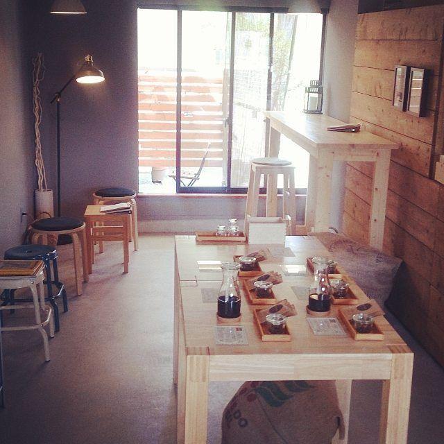 店内レイアウト変更のお知らせ  コーヒー豆販売試飲スペース拡充のためレイアウトを変更いたしました  店内飲食はカウンター簡易なコーヒーテーブル1席のみとなりますのでご了承ください  今後も品質の良いコーヒー豆をご提供してまいります よろしくお願いいたします  #コーヒー #coffee #コーヒースタンド #高槻 #大阪 #大阪コーヒー #スペシャルティコーヒー #osaka #japan