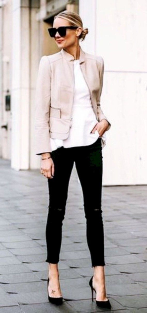 Elegant Winter Outfit Ideas for Work 31