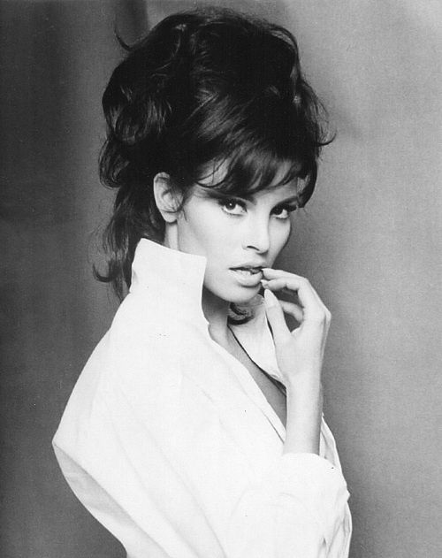 Actress Raquel Welch ♥ ♥ ♥. Born Jo Raquel Tejada 5 September 1940, Chicago, Illinois, U.S. This photo was taken by Roy Round in 1967.