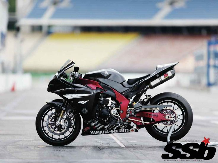 2009 Yamaha R1 and 2006 FZ1 | Made in Germany