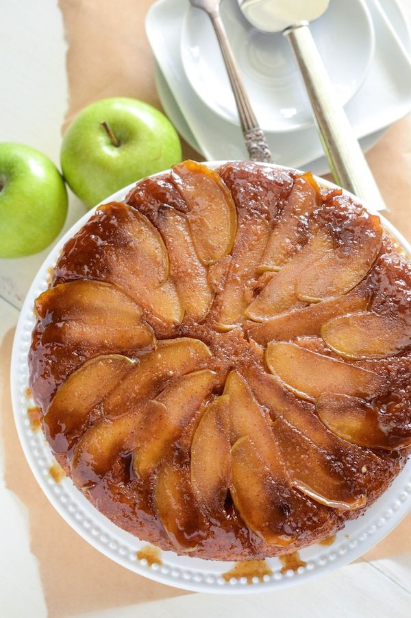 Apple Upside Down Cake! Spiced brown sugar apples with a sour cream ...