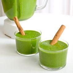 ¡Adiós Obesidad: Poderoso y Delicioso #batido de Frutas Adelgazante! #smoothie Ingredientes  1 cucharada de jengibre fresco1 bananamedio limón o lima (Zumo)1 taza de piña2 manzanas2 naranjas (zumo)1 puñado de hojitas de mentaCanela al gusto