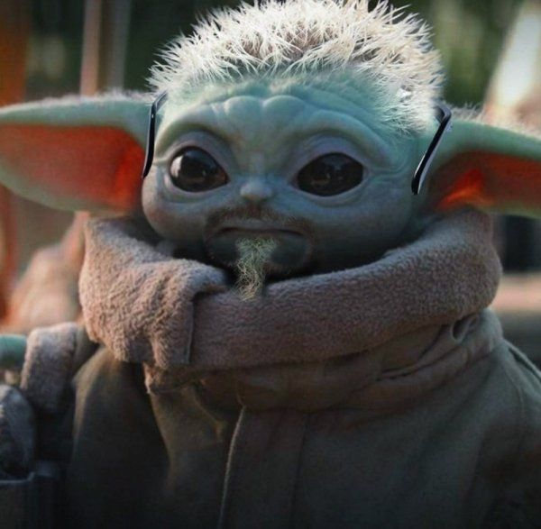 Baby Yoda Drinking Soup Is Taking Over The Internet Yoda Pictures Yoda Wallpaper Yoda Images