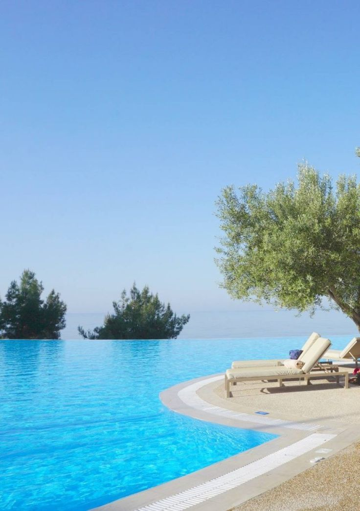 10 Reason You will Fall In Love With Ikos Oceania, from the understated elegance and luxury to wonderful gastronomy, @ikosresorts   near Halkidiki in Greece: