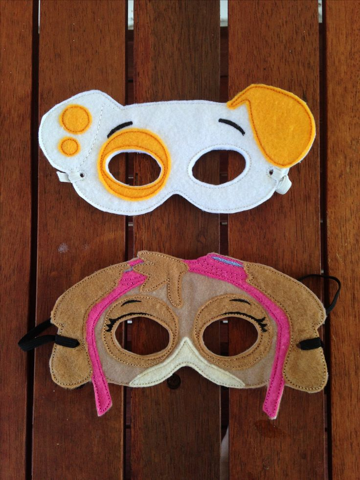 Felt masks. Dog masks. link to free patterns http://www.happilyafterdesigns.com/free-machine-embroidery-designs