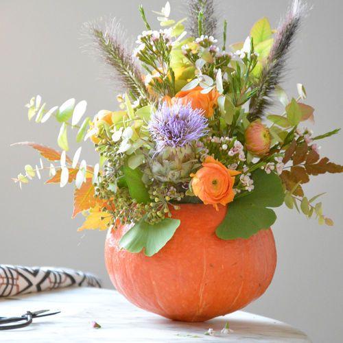 bouquet d 39 automne dans un potiron nos tutos custos pinterest modesettravaux bouquet et. Black Bedroom Furniture Sets. Home Design Ideas
