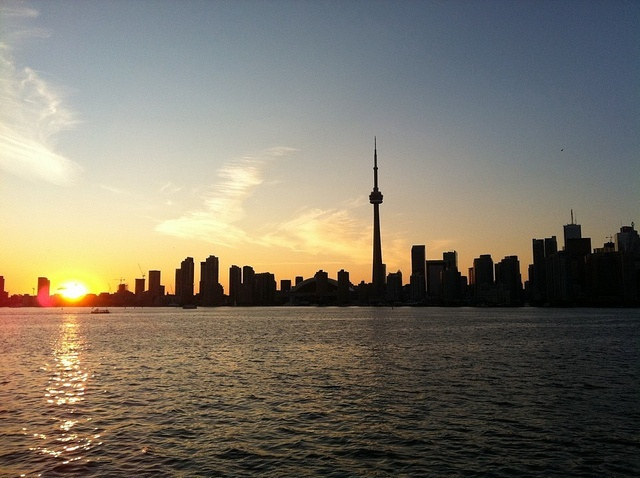 #Toronto Sunset. Find out our Top Things to do in Toronto on a Budget: http://www.flightcentre.ca/blog/destinations/things-to-do-in-toronto-on-a-budget-summer/6696#