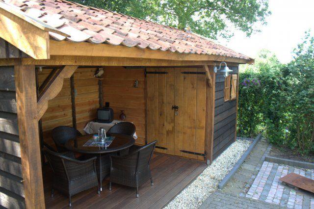 Maastricht in Limburg Nostalgische buiten/tuinkamer met berging. Ambachtelijk MAATWERK. www.vechtdalbouwsystemen.nl info@vechtdalbouwsystemen.nl