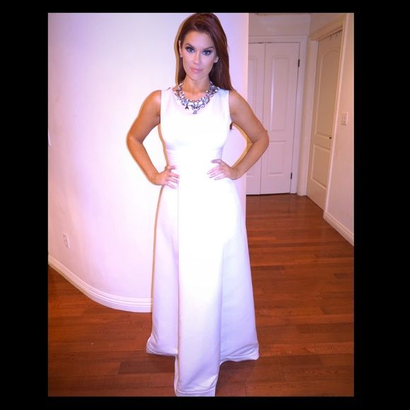 Bridal cute dress for wedding or formal event This beautiful dress is great for a wedding or any kind of formal occasion. It is white and is conservative without being granyish. Size small Dresses