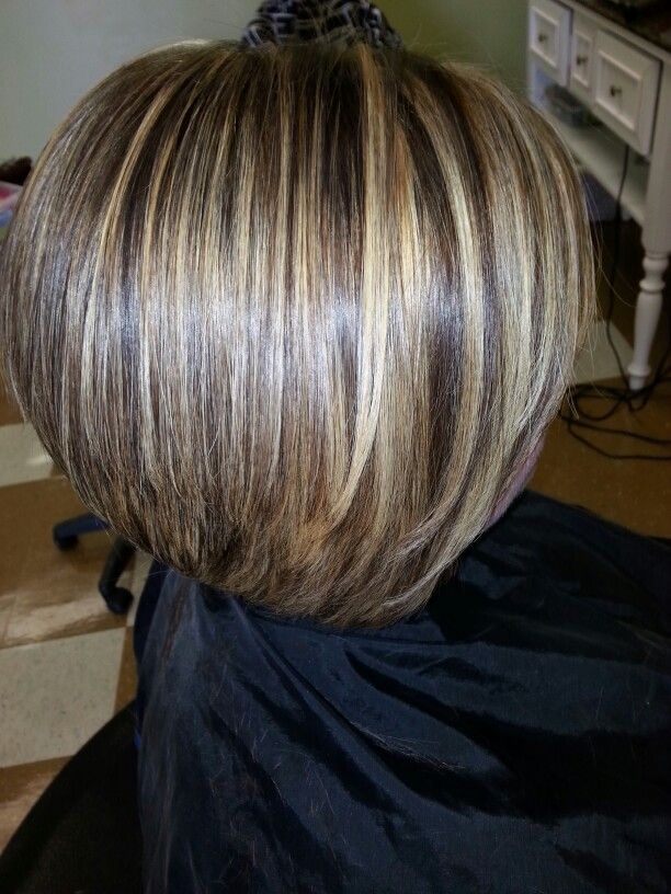 Chunky blonde highlights, chunky lowlights on a short inverted Bob!