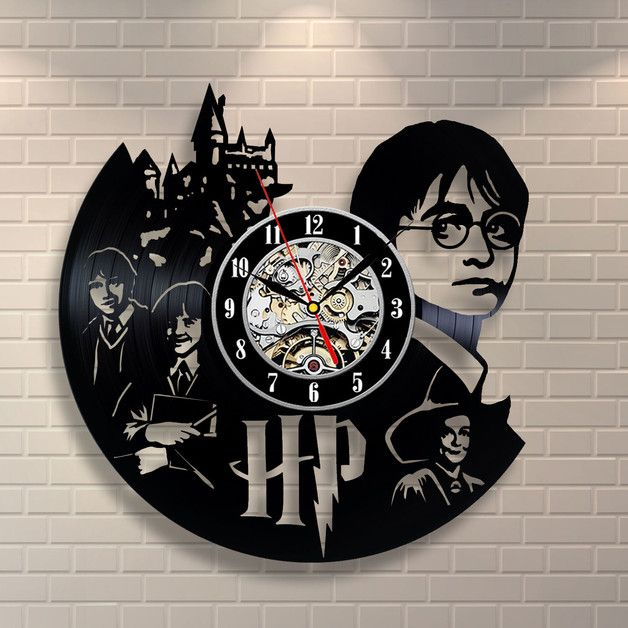uhren harry potter geschenk zuhause dekor vinyl wanduhr ein designerst ck von toktikdesign. Black Bedroom Furniture Sets. Home Design Ideas