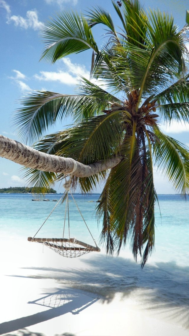 Maldives island holiday package, all inclusive luxury honeymoon deals, luxury resort vacation, beach and paradise resort holidays, cheapest holiday offers. #Maldives, #resort, #Island, #Honeymoon, #romantic