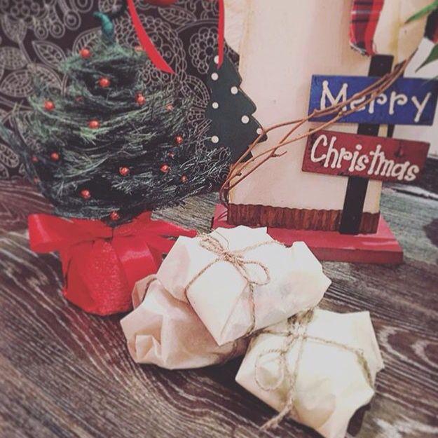 Новогодние угощения под елочкой