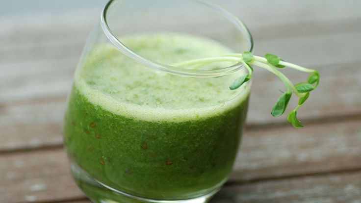 Tyson Beckford's Belly-Busting Smoothie: Flatten your abs in no time with this delicious and nutritious smoothie recipe.