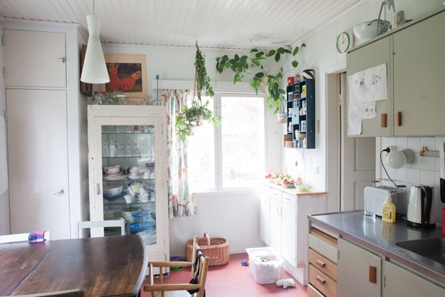 A simple  kitchen, and I wish mine could look a little like this. from vihreätalo.com