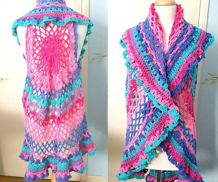 Free Crochet Patterns For Circular Vests : 25+ best Crochet circle vest ideas on Pinterest Crochet ...