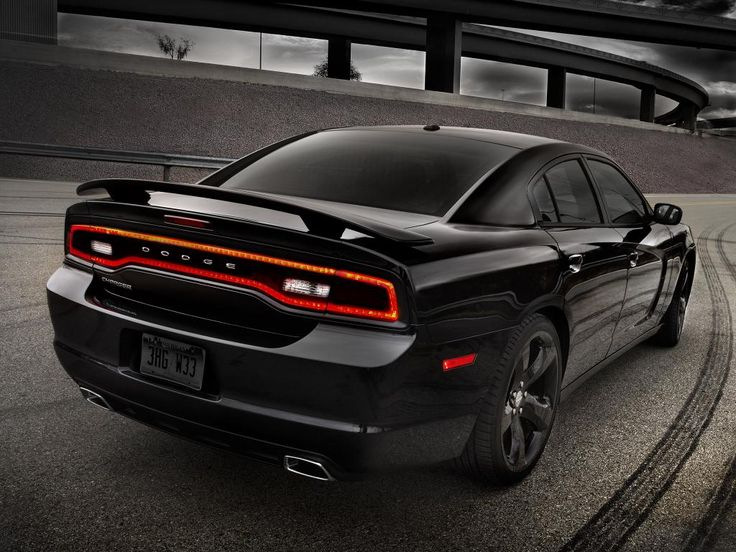 Dodge Challenger R/T Blacktop 2013 wallpaper