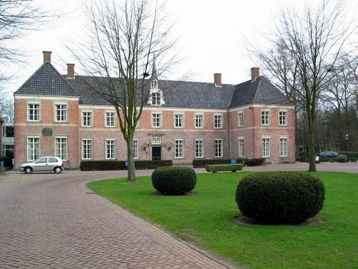 18e Eeuwse Havezathe 'het Eeshof, Tubbergen. Tegenwoordig is dit een bejaardenhuis.