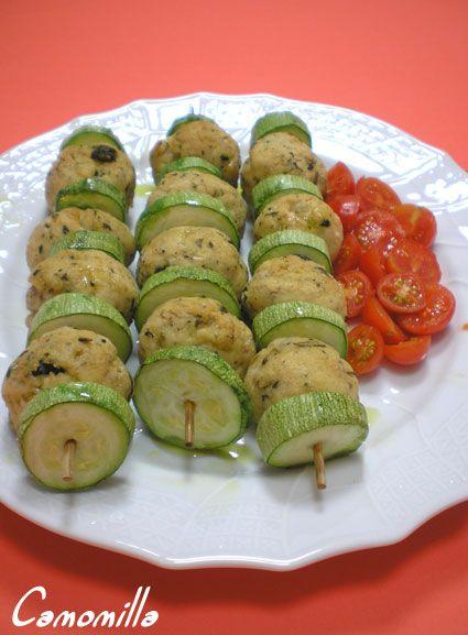 spiedini di zucchine e polpette di pollo #recipe #juliesoissons