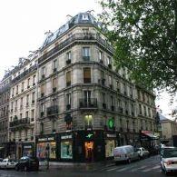 A Large Pharmacie Monge, 74 rue Monge 75005.