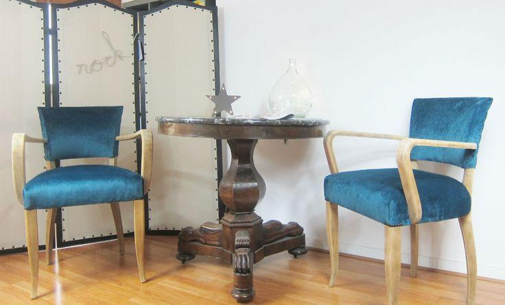 Fauteuil bridge (paire) années 50 velours bleu canard est en vente sur notre Brocante en ligne par Passealatelier Plus de photos et contact à cette adresse : http://www.lesbrocanteurs.fr/annonce-antiquaire/fauteuil-bridge-paire-annees-50-velours-bleu-canard/
