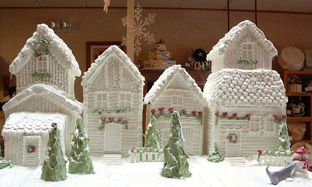 Top 10 Creative Gingerbread Houses In Pictures Love This