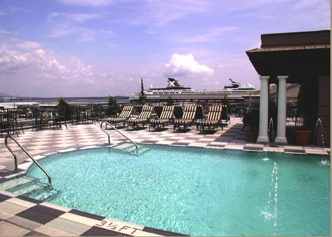 Market Pavilion Hotel in Charleston, the only hotel in Charleston that has a roof top pool with a bar and a really good place to eat.