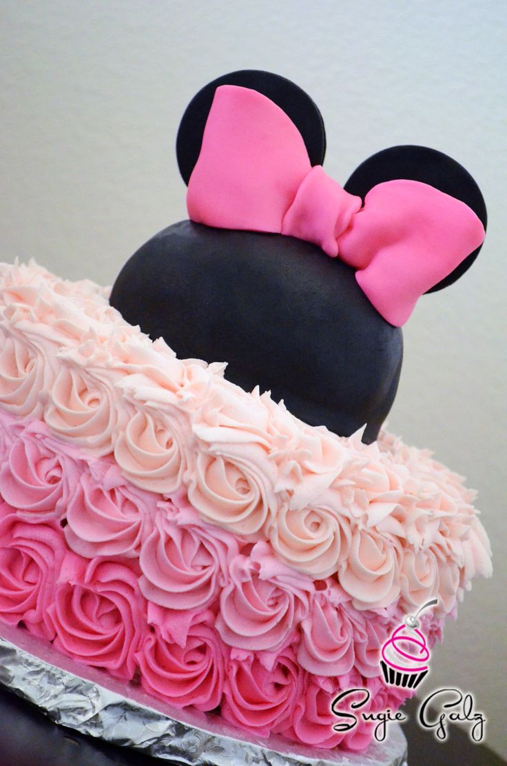 Minnie Mouse Pink Buttercream Ombre Birthday Cake in Austin Texas by Sugie Galz