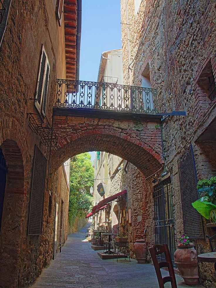 hdr italian alley by Martijn Eilander on 500px