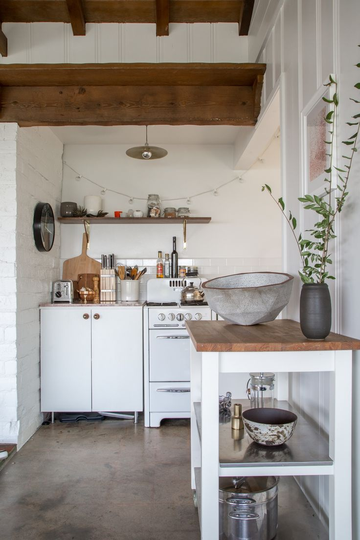 Kelly Lamb's Warm, Welcoming Backyard Boho Guest House