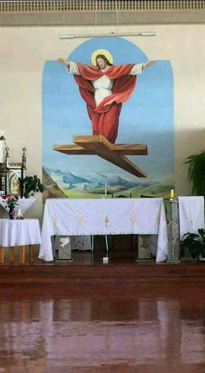 Jezus na krzyżu #Jezus #mural #krzyż