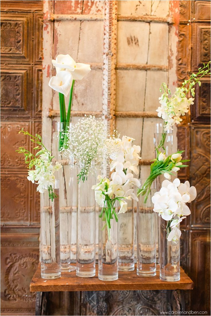 carolienandben.com crisp green and white floral elements
