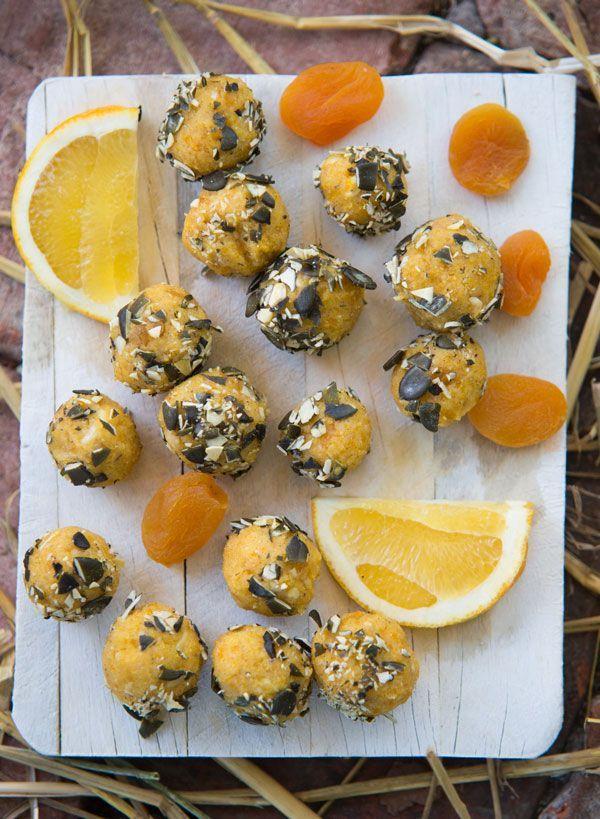 Aprikos och apelsinbollar