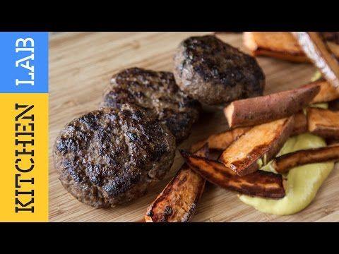 Μπιφτέκια γεμιστά με ντομάτα και φέτα | Άκης Πετρετζίκης