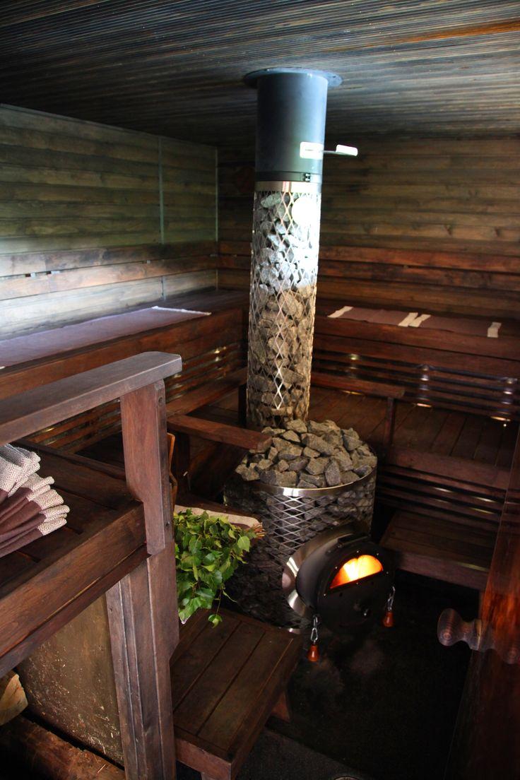 Jalolautan saunassa tilaa tusinalle #jalo #lautta #sauna #boat #finland #summer #iki-kiuas #saunaboat