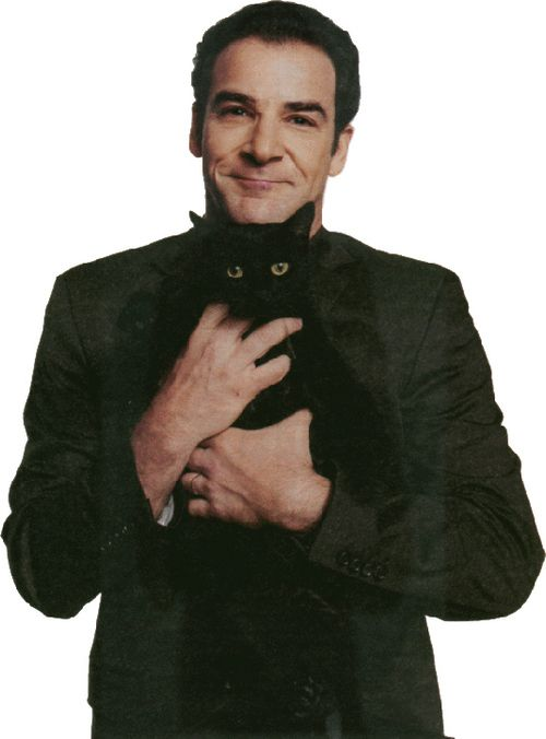 Mandy Patinkin just an all round talent. Terrific actor. Sweetest tenor ever. Simply magnetic. HUGE CRUSH!